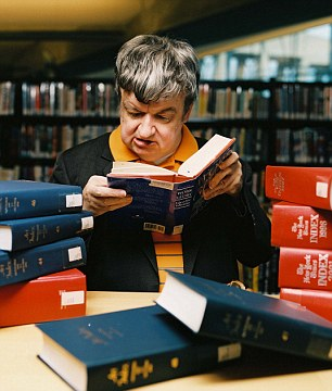 Television Programme' The Real Rain Man Extraordinary' People. showing Kim Peek Reading Licensed by CHANNEL 5 BROADCASTING. Five Stills: 0207 550 5509. Free for editorial press and listings use in connection with the current broadcast of Channel 5 programmes only. This Image may only be reproduced with the prior written consent of Channel 5. Not for any form of advertising, internet use or in connection with the sale of any product.